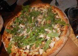 wolfgangpuck mushroom chicken pizza