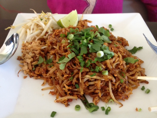 pad thai free hot chat